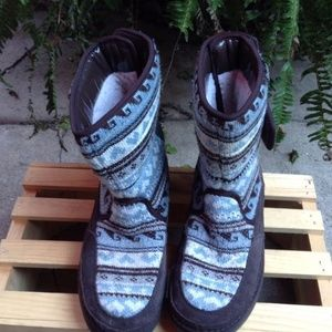 SKECHERS Tone Ups Chalet Carve Mid High Boots